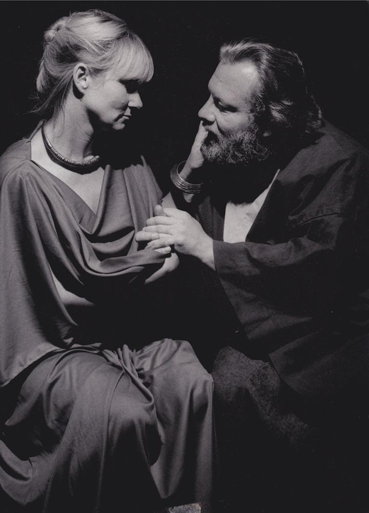 Violaine Alfaric, une Xanthippe redoutable et tendre, et Gérard Gille, un Socrate plus vrai que nature.